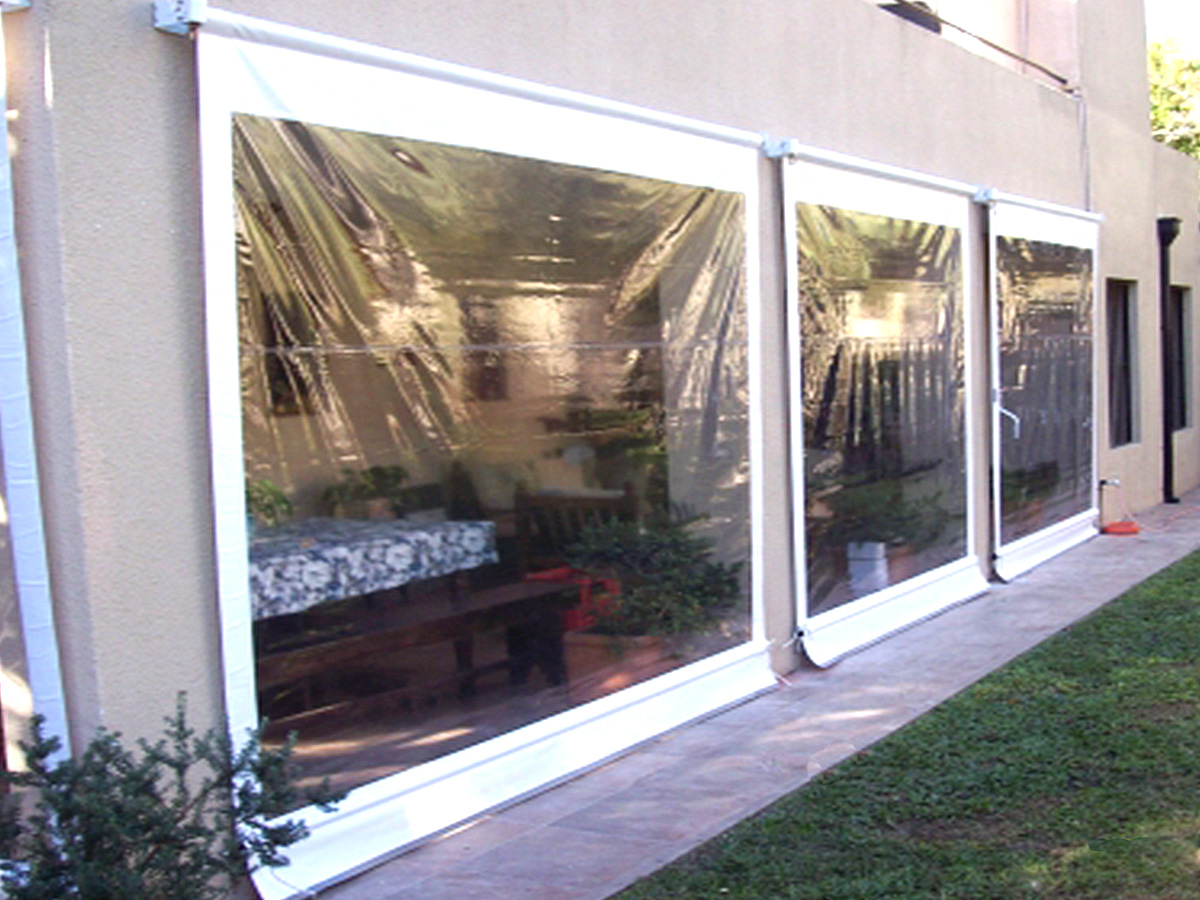 Cerramientos de lona para galer as y patios for Modelos de techos para galerias