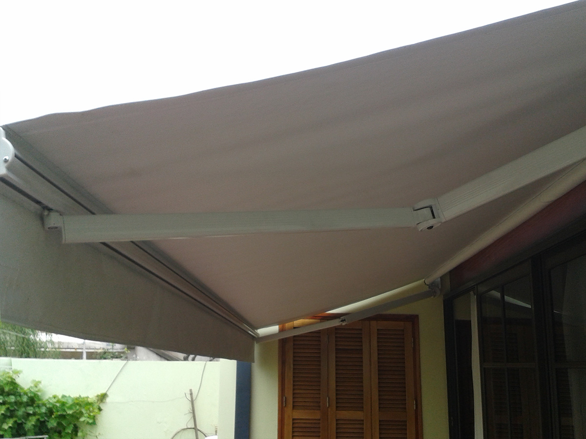 Toldo brazo invisible for Brazo toldo balcon